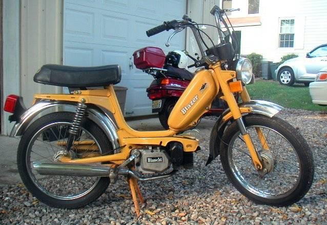 Cosmo Blazer Yellow on Morini Engine « Myrons Mopeds