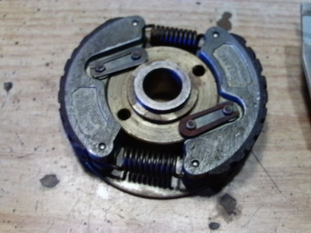 Morini Mo Clutch Assy Minus Inner Plate And Clip on Morini Engine « Myrons Mopeds